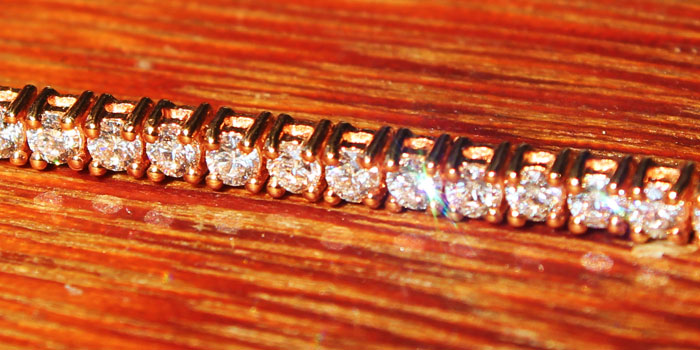 18 K Rose gold 4 Prongs Setting